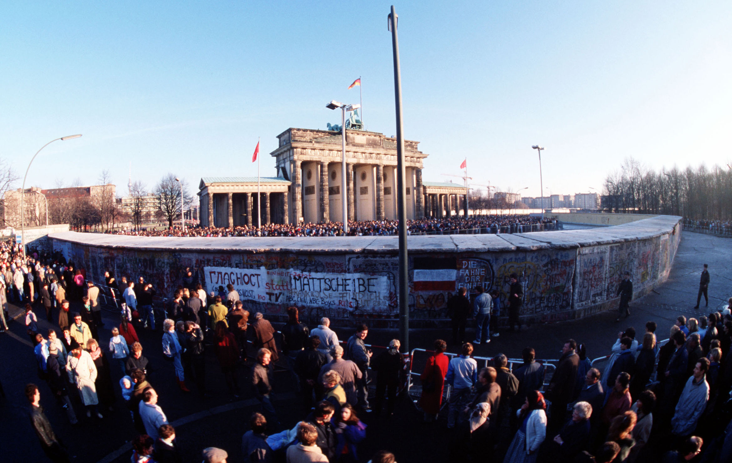 Das Brandenburger Tor in Berlin am 1.12.1989